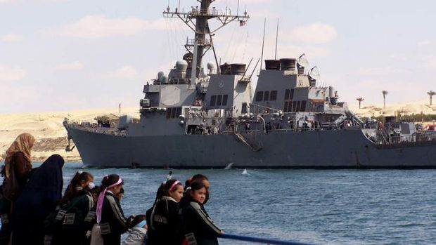 A US guided missile destroyer sails through the Suez Canal in 2009.