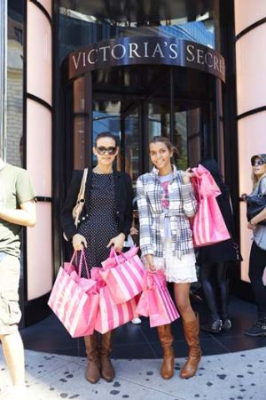Glitz: Roe and Rodd go shopping.