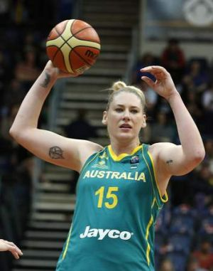 Lauren Jackson will play in China.