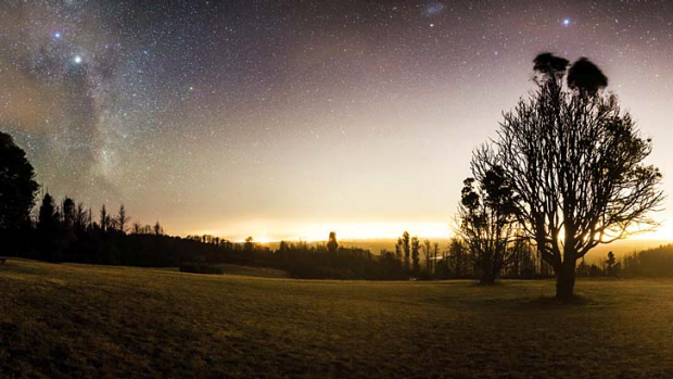 Skyglow over Melbourne, as seen from Kinglake.