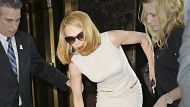 Kidman to press charges against paparazzo (Video Thumbnail)