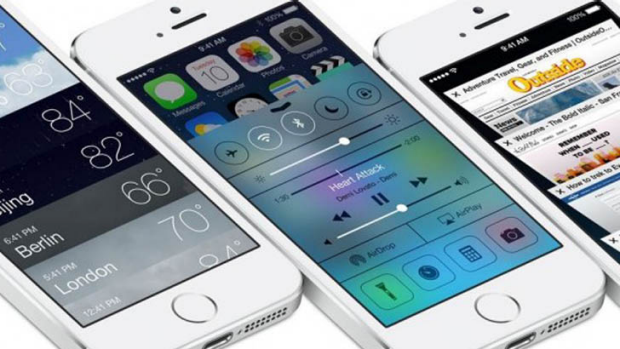 The iOS 7 Control Centre makes it easy to turn Wi-Fi, Blueetooth and Airplane mode on and off.