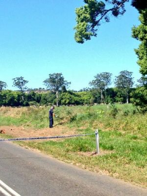 Police searching bushland near Gympie where the torso was found. Photo: Sarah Greenhalgh/Ten News via Twitter