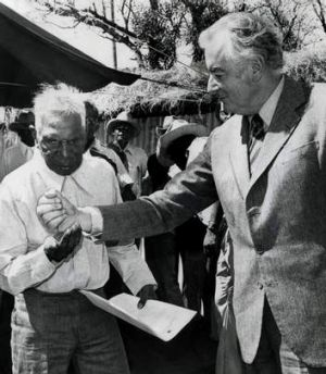 Gough Whitlam with Vincent Lingiari in 1975.
