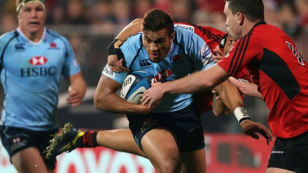 Peter Betham runs into the defence of Tom Marshall of the Crusaders in Christchurch last season.