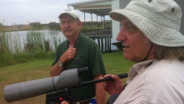 Wayne Cameron, from the Bulimba Creek Catchment group with Greg Nye from Birds Queensland at Swan Lake.