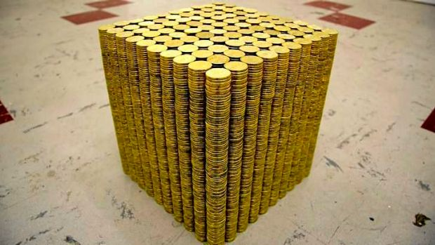 Andrew Liversidge's golden cube, made up of dollar coins from 2009.