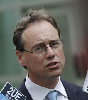 Environment Minister Greg Hunt has ordered an inquiry into the Great Barrier marine authority.