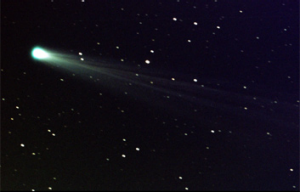 Comet ISON approaches the sun.