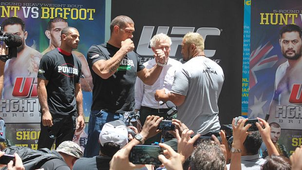 Antonio 'Bigfoot' Silva, UFC Managing Director Canada, Australia and New Zealand Tom Wright, Mark 'Super Samoan' Hunt at ...