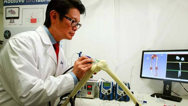 """The """"bio pen"""" could eliminate the need to harvest cartilage and grow it for weeks in a lab."""