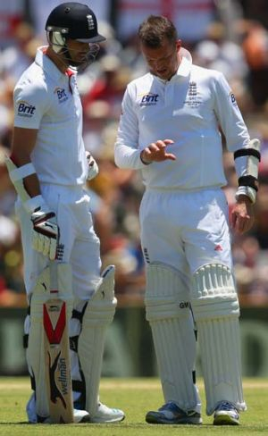James Anderson and Graeme Swann, beleaguered with bat and ball in Australia, 2013.