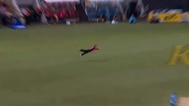 Jordan Silk dives to his left to take an unbelievable catch.