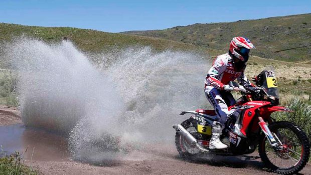 Joan Barreda rides his Honda during the first stage.