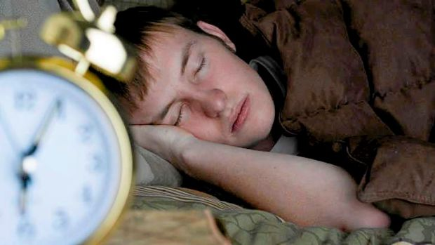 Researchers say a gene that regulates the body clock also plays a part in growth hormone production.