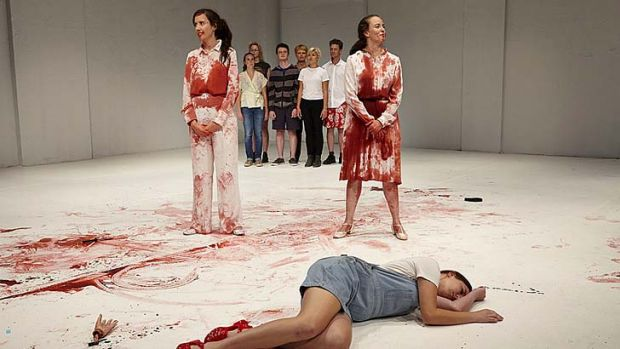 <i>Oedipus Schmoedipus</i>: Cast and volunteers let the blood run free.