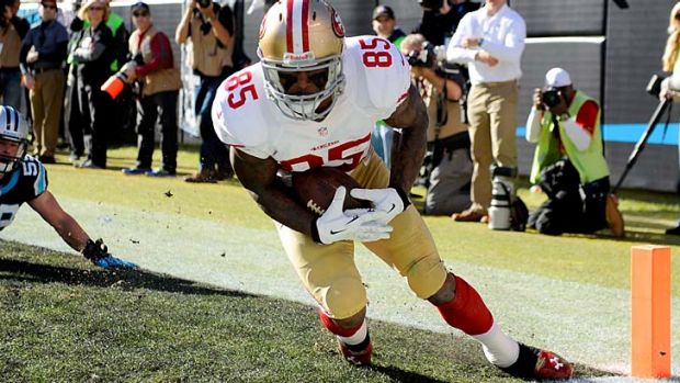 San Francisco's Vernon Davis catches a touchdown against the Panthers.