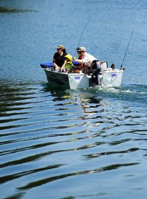 Unnatural pursuits: Marine scientists are calling on the O'Farrell government to reinstate ban on recreational fishing.