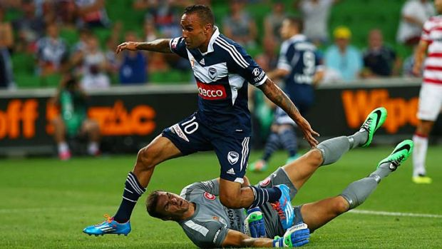 Veteran Archie Thompson makes his presence felt, opening the scoring against the Wanderers in Melbourne on Tuesday.
