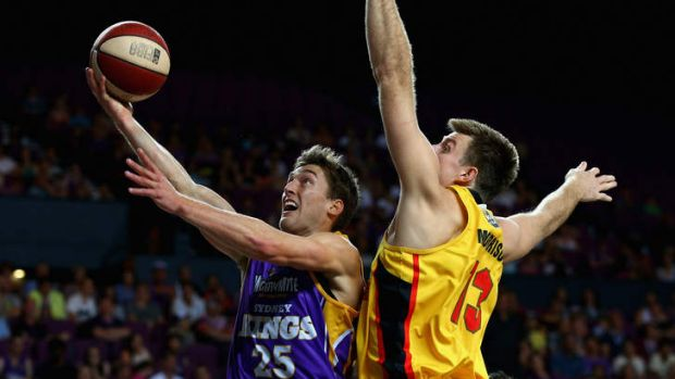 Jesse Sanders of the Kings lays the ball up against the Melbourne Tigers in round one.