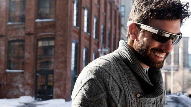 Google Glass: Early adopters will likely find flaws.
