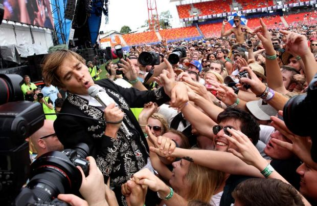 The crowd in the main arena with the Hives.