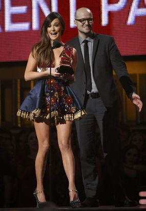 "Kacey Musgraves accepts the award for Best Country Album for ""Same Trailer, Different Park""."
