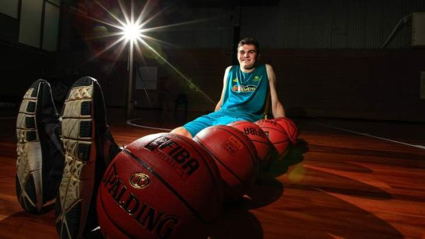 16-year-old basketballer Isaac Humphries is 2.13m tall and has legs the length of 6 basketballs in a line. Isaac is at ...
