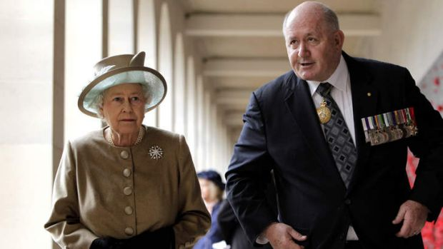 Peter Cosgrove, as chairman of the Australian War Memorial Board, with Queen Elizabeth ll at the War Memorial in Canberra.
