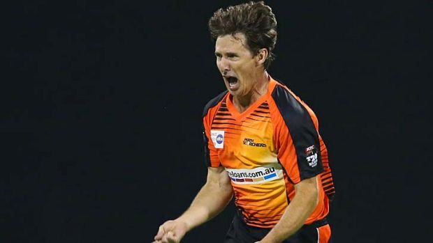 Brad Hogg of the Scorchers.