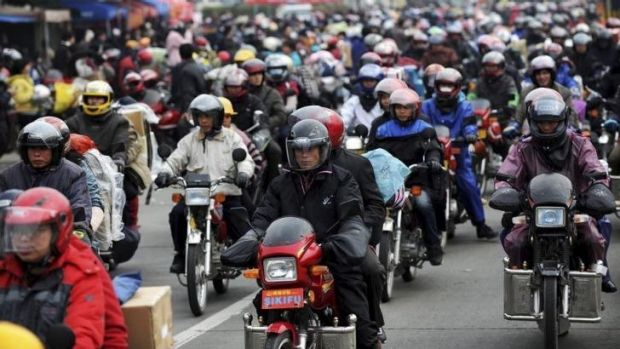 About 400,000 people will travel home by motorcycle for the annual Spring Festival break.