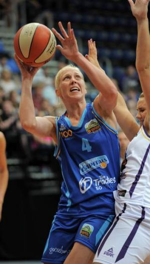 Canberra Capitals' Abby Bishop scored a WNBL career-high 29 points on Saturday.
