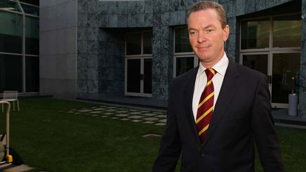 """The more autonomous a school, the better the outcomes for students"": Christopher Pyne."