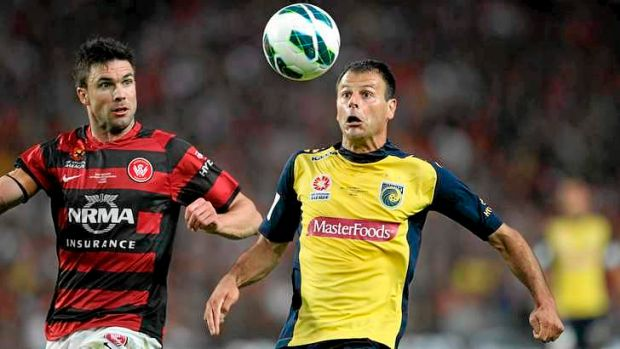 Time for the veteran Mariner: Mile Sterjovski in action in this year's A-League grand final.
