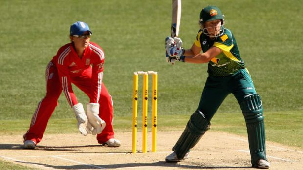 Confident on the outside: Alyssa Healy winds up during game two of the T20 series against England at the MCG on January 31.