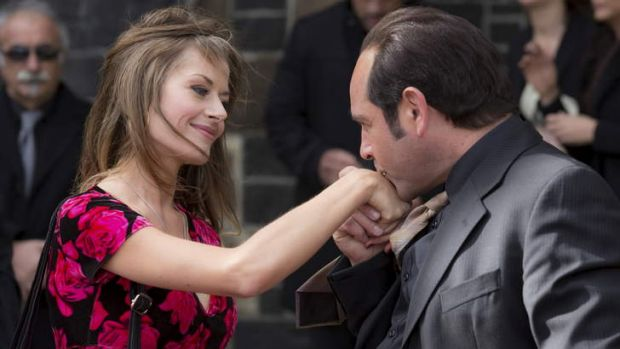 Madeleine West as Danielle McGuire and Robert Mammone as Tony Mokbel in <i>Fat Tony & Co</i>.