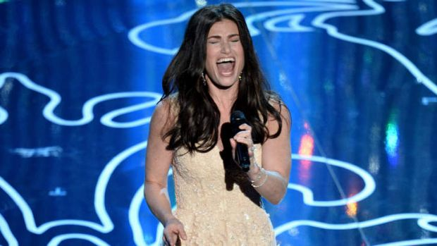 <i>Frozen</i> actress/singer Idina Menzel performs <i>Let It Go</i> at the Oscars.