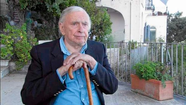 Gore Vidal was an aristocratic figure whose admirers compare him without irony to an emperor or a Greek god.