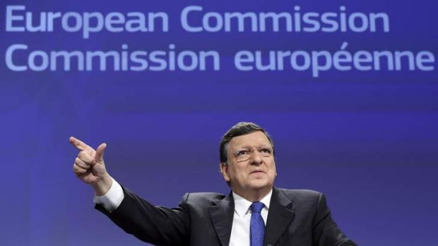 "European Commission President Jose Manuel Barroso: ""The international community should mobilise to help Ukraine ..."