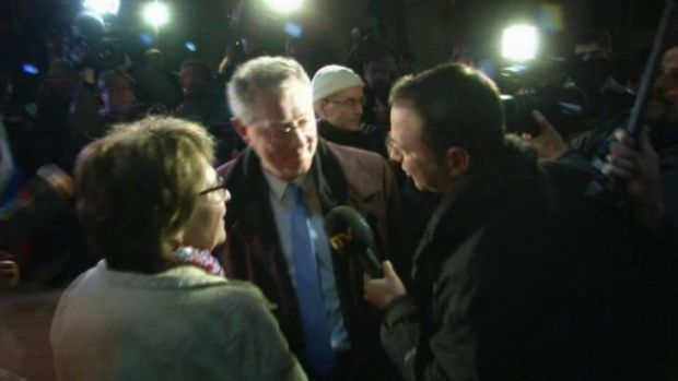 UN envoy to Ukraine Robert Serry (centre) is reported to be aborting his mission to Crimea after the confrontation with ...