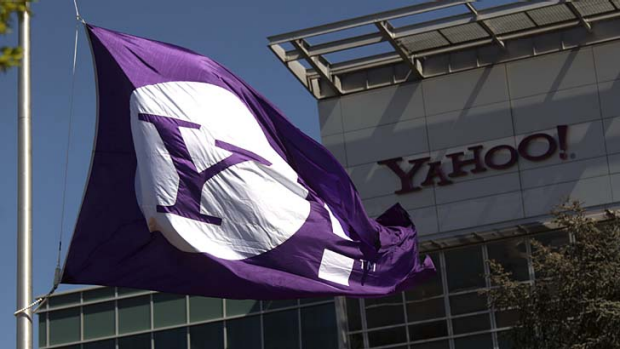 Rivalry: Yahoo will no longer support logins with Facebook or Google IDs.