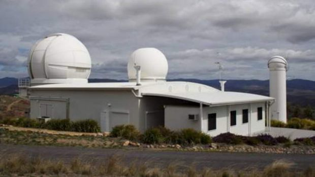 The EOS satellite laser ranging system at Stromlo. <em> Photo: Prescott Pym </em>