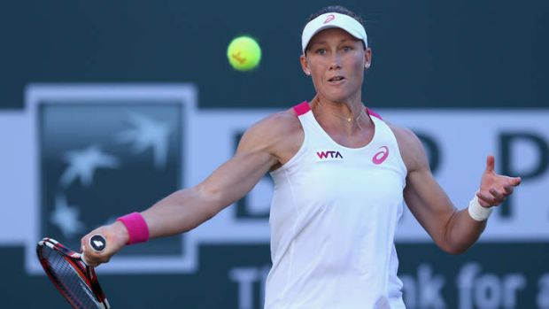 Samantha Stosur in action against Francesca Schiavone.