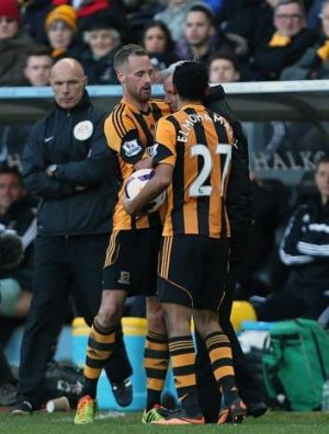 Alan Pardew and David Meyler come together on March 1.