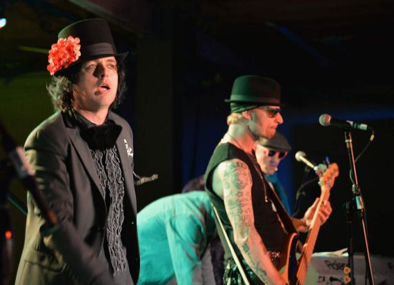 Billie Joe Armstrong (L) and Mike Dirnt of Foxboro Hot Tubs performs at Yahoo's Brazos Hall during 2014 SXSW festival 2014.