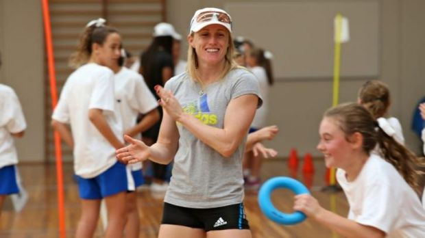 Circle work: Sally Pearson trains with students at the Loreto school in Toorak on Wednesday.