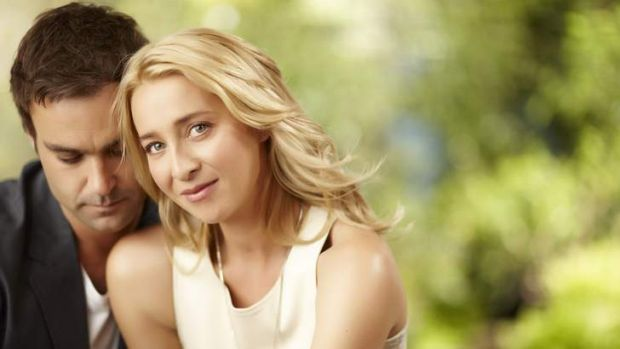 Matt Lenevez and Asher Keddie in Offspring 2012. (Supplied by NPG)