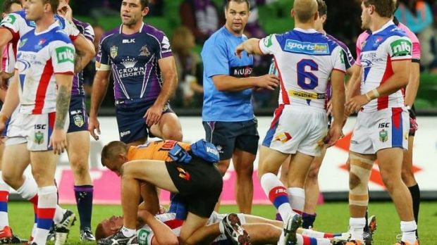 Newcastle Knights forward Alex McKinnon has suffered fractures to two vertebrae.