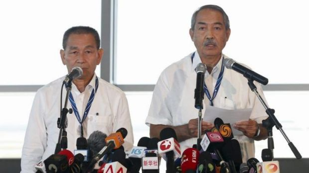 Few clues to disaster: Malaysia Airlines Chief Executive Ahmad Jauhari Yahya (L) and Chairman of Malaysia Airlines Tan ...