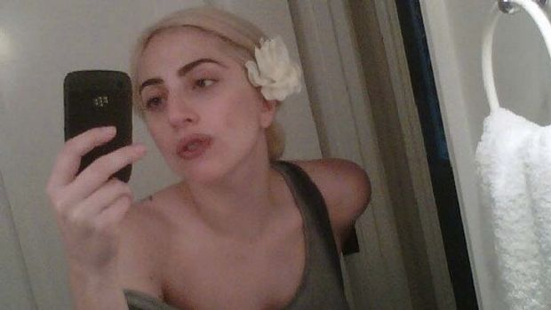 Lady Gaga's no make-up selfie.